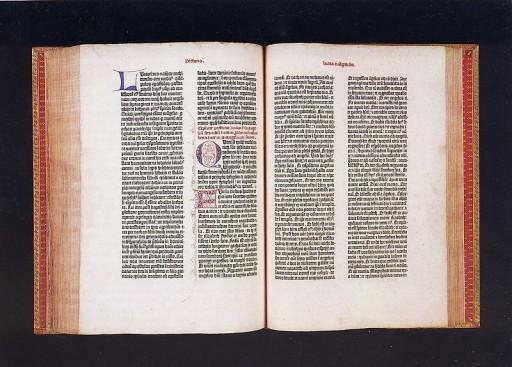 グーテンベルク42行聖書 出典:グーテンベルク美術館